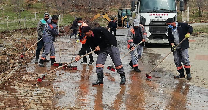 Sel felaketi 5 mahallede etkili oldu