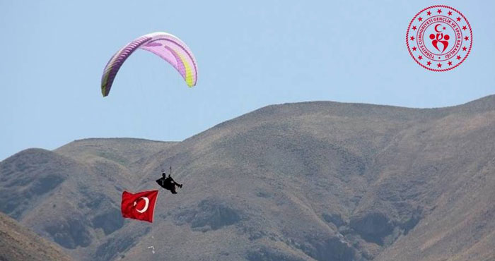 Yamaç paraşütü hedef yarışları yapılacak