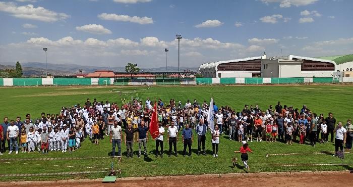 Bingöl'de yaz spor okulları törenle açıldı! Haydi çocuklar spor!