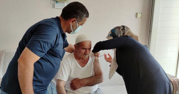 Bingöl'de sağlık ekipleri köy köy gezerek aşı yapıyor! Hedef mavi kategori