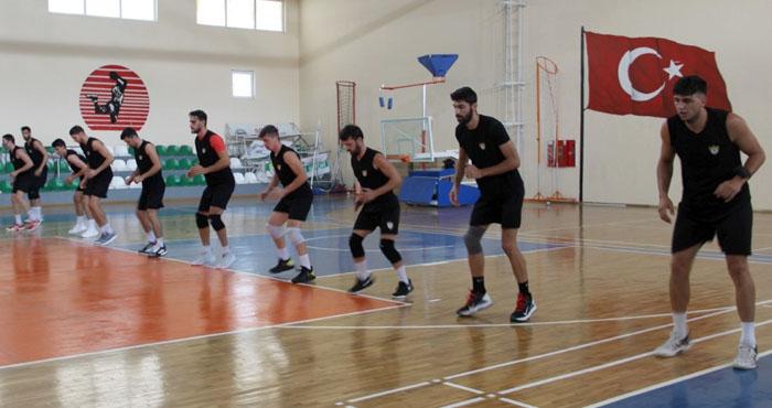Solhanspor sezonun ilk antrenmanını 'yuva'da yaptı