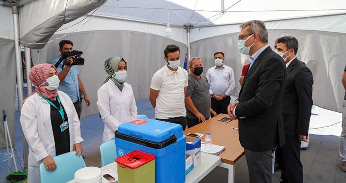 Vali Ekinci'den sağlık çalışanlarına destek