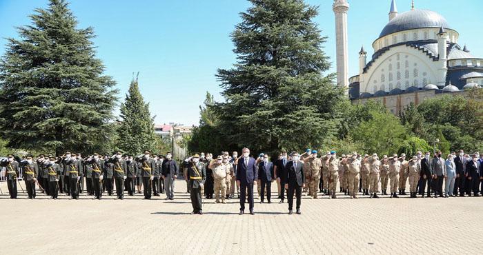 Bingöl'de 30 Ağustos Zafer Bayramı törenle kutlandı